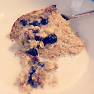 Banana Blueberry Baked Oatmeal